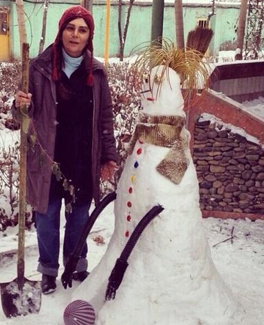 خلاقیت هنگامه قاضیانی در آخرین روزهای برفی زمستان! عکس