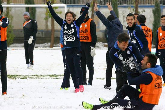 برف بازی و شور و نشاط استقلالیها در تمرین