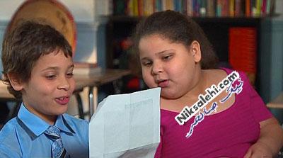 توجه بسیار خاص یک پسر 8 ساله به خواهر دوقلویش