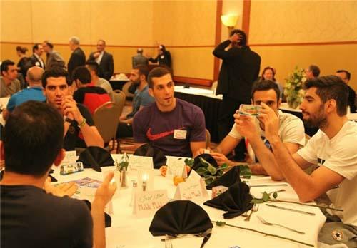 مراسم مجلل ایرانیهای مقیم لسآنجلس برای والیبالیستها