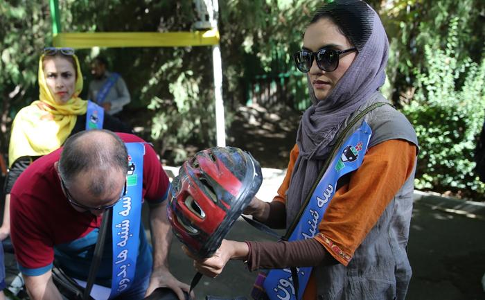 دوچرخه سواری چهره ها و بازیگران مشهور در پارک لاله