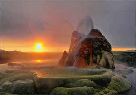 عجیب ترین آب گرم دنیا در آمریکا!