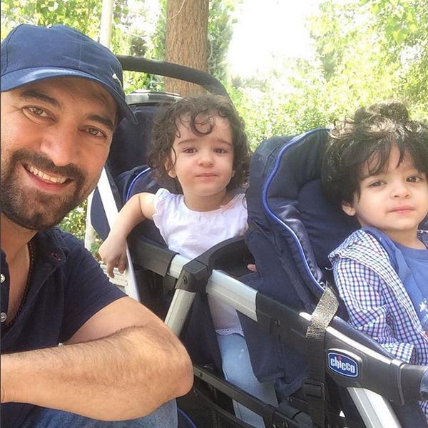 گردش و تفریح مجید صالحی با فرزندان دوقلویش