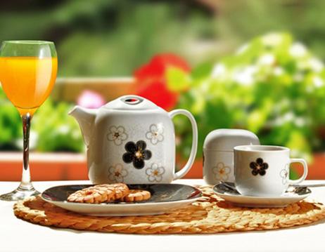 اصول چیدمان میز صبحانه برای یک پذیرایی شیک
