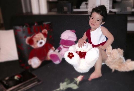 عکسهای جدید از تیارا خانوم دختر رضا صادقی تصاویر