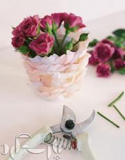 روش ساخت این گلدان و گلهای زیبای کاغذی/تصویری