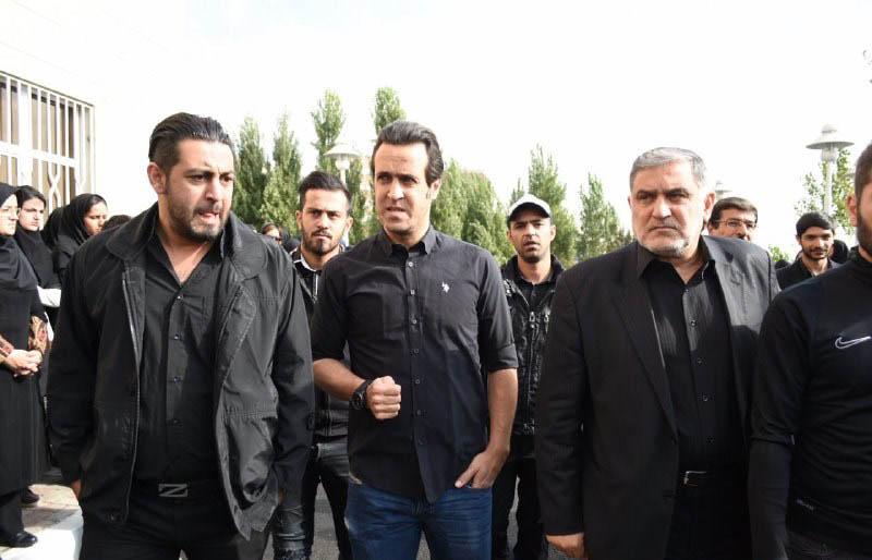 بازیکنان پرسپولیس و استقلال در مراسم تشییع روانشناس سابق پرسپولیس