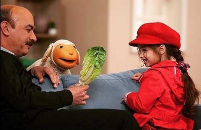 بنیامین بهادری و دخترش در کلاه قرمزی و کنار ببعی! عکس