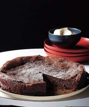 دستور تهیه یک کیک شکلاتی خوشمزه بدون نیاز به آرد! عکس