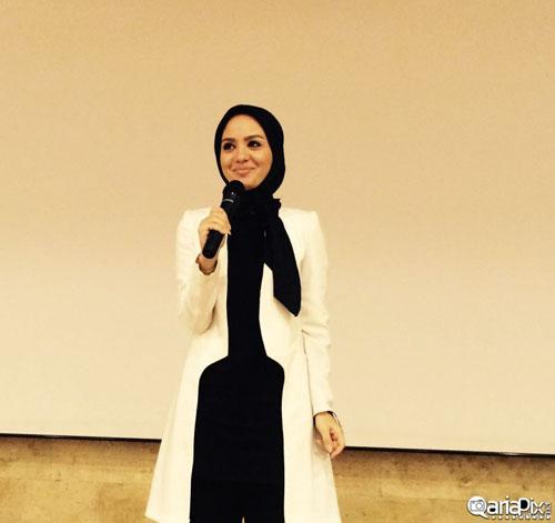 عکس های متفاوتی از مبینا نصیری مجری برنامه اینجا ایران است