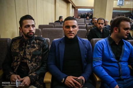 خوانندهزیرزمینی و محسن افشانی درمجلسختمارجمند عکس
