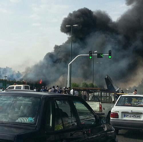سقوط هواپیمای مسافربری در غرب تهران