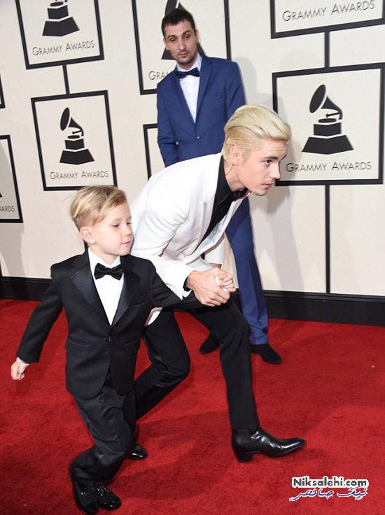 جاستین بیبر و برادر خوش تیپش در مراسم گرمی 2016
