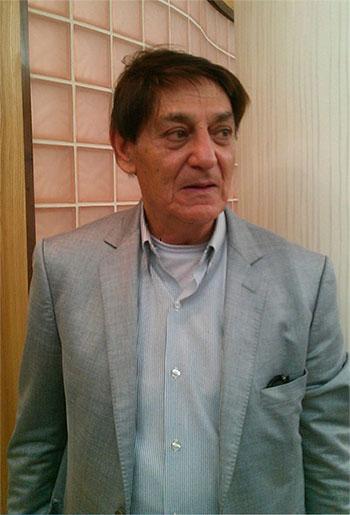 واکنش پدر محمدرضا گلزار به انتشار خبر با گلزار افطارکن