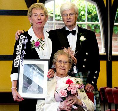 این خانم متفاوت ترین ساقدوش عروس است