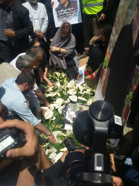 آرام گرفتن عباس کیارستمی در خانه ابدی اش! عکس