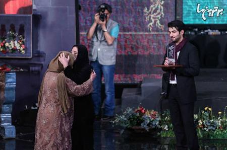 اشک های باران کوثری در آغوش مادرش تصاویر