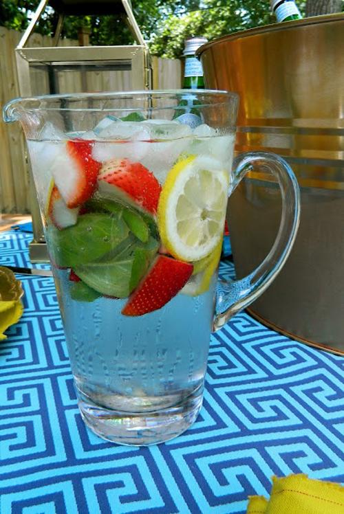 نحوه درست کردن آب طعم دار برای گرمای تابستون