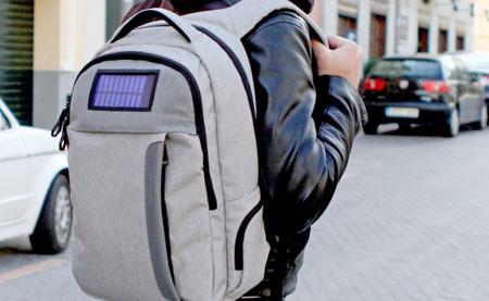 کوله پشتی هوشمند با قابلیت های فراوان به بازار می آید تصاویر