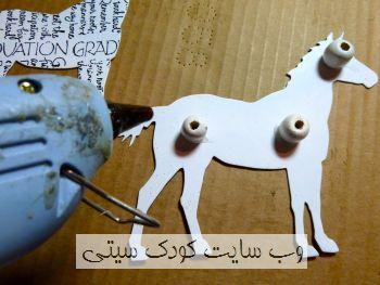 ساخت کاردستی سه بعدی اسب با روزنامه و مقوا  تصاویر