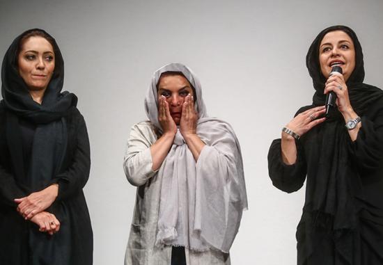 احساساتی شدن نیکی کریمی و تهمینه میلانی در فیلمنامه خوانی دو زن