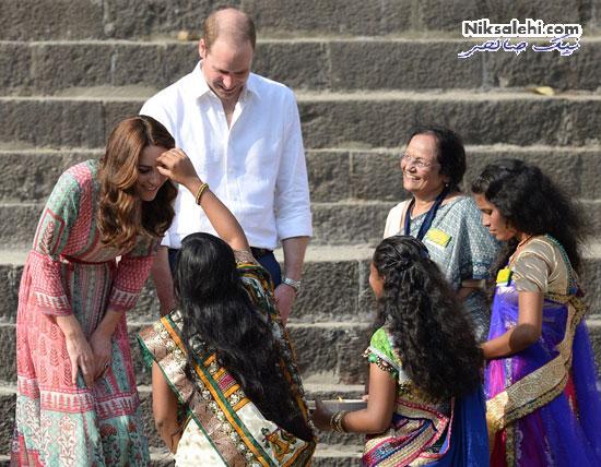 کیت میدلتون در حین بازی با بچه های هندی
