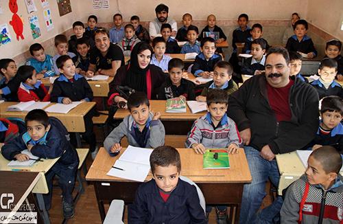رز رضوی در مدرسه کودکان کار در شهر ری