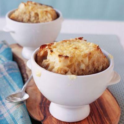 سوپ پیاز با پنیر و آویشن , لذیذ و متفاوت!