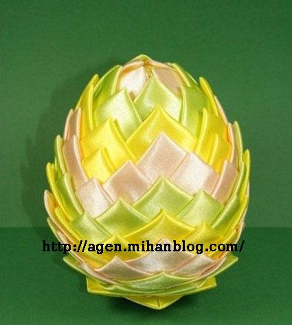 تزئینی متفاوت تخم مرغ با روبان تصاویر
