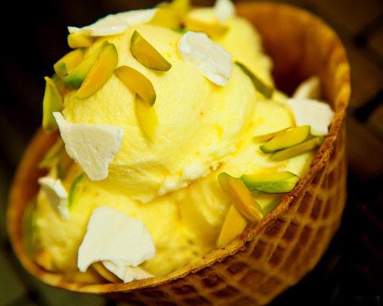 طرز تهیه بستنی سنتیِ خانگیbr /