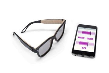 عینک هوشمندی که با دستور کاربرانش تغییر رنگ می دهد