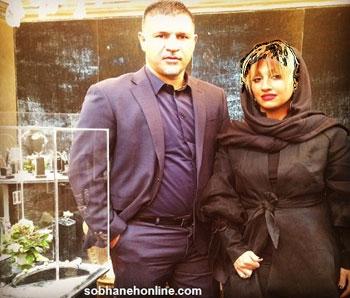 گالری جواهرات علی دایی و همسرش