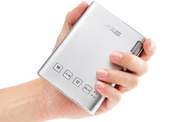 کوچکترین ویدئو پروژکتور با وزن ۳۰۷ گرم +تصاویر