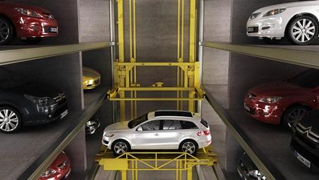 پارکینگ هوشمند ی که خودش خودروها را پارک میکند+تصاویر