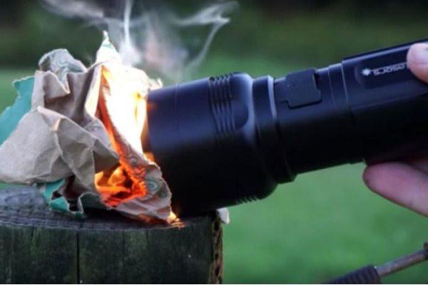 چراغ قوه ای که برای شما میتواند آتش روشن کند +تصاویر