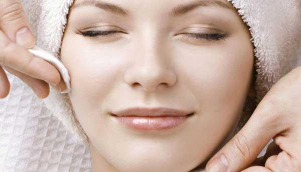 پاکسازی پوست چیست ؟