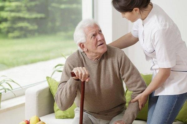 علائم بیماری پارکینسون چیست؟