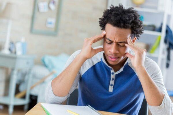 سردرد هنگام مطالعه
