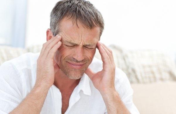 ارتباط سر درد با استفراغ و تهوع