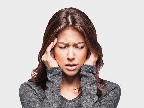 ارتباط سردرد با استفراغ و تهوع