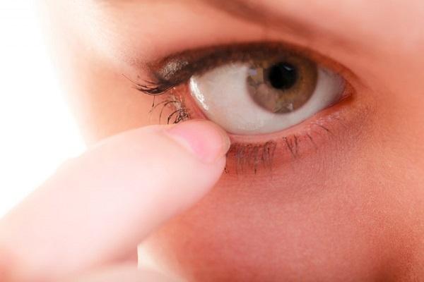 چشم تان درد می کند