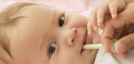 حتما قطره مولتیویتامین یا AD و آهن به نوزادتان بدهید
