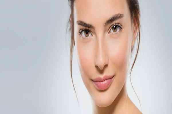 ۶ روش خانگی برای شادابی پوست