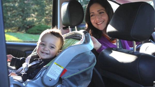 مسافرت نوزاد با ماشین