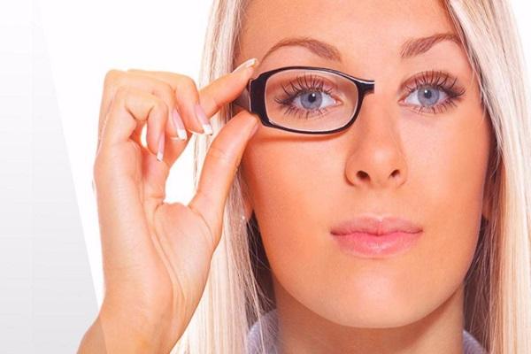 درمان انحراف چشم با عمل جراحی جدید