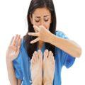۷ راه برای مبارزه با بوی بد پا در تابستان