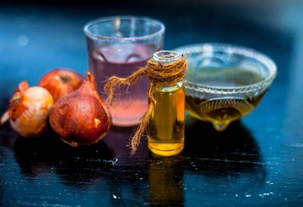 مخلوط آب و پیاز با عسل