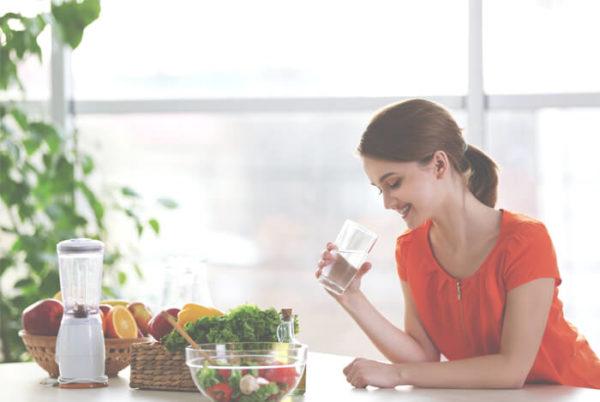 نوشیدن آب میان غذا