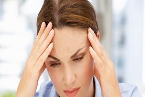 تاثیر سندرم پیش از قاعدگی این مشکل زنانه روی پوست
