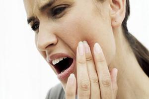 تسکین دندان درد با گیاهان طبیعی